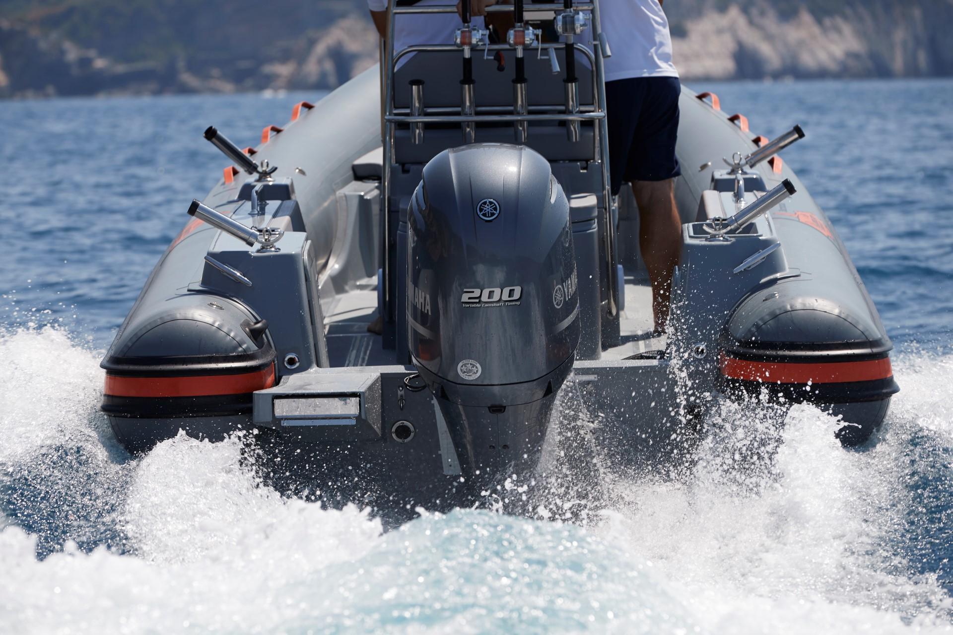 Joker Boat Barracuda yamaha 200